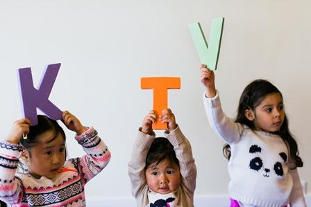 Học bảng chữ cái thật vui và hiệu quả cùng con nào!