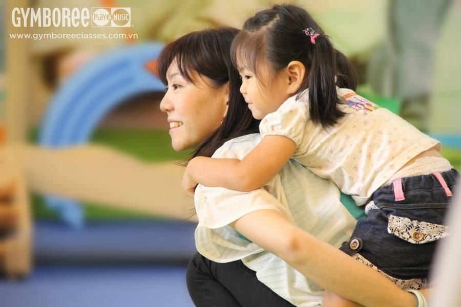 Tám vai trò khác nhau của mẹ đối với sự phát triển của trẻ